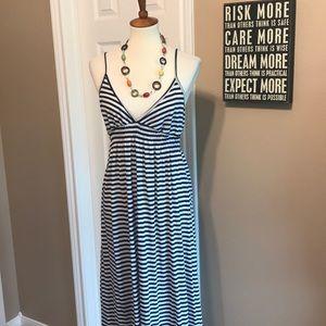 Old Navy size Large Maxi Dress 💙